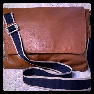 Coach Heritage Cognac brown shoulder Bag F70556